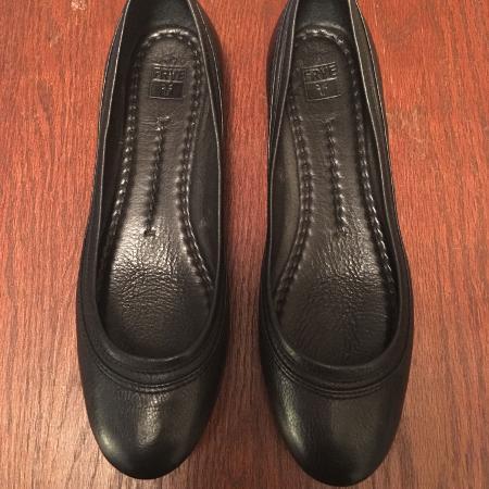 Frye Designer Black Leather Flats 6 1 2