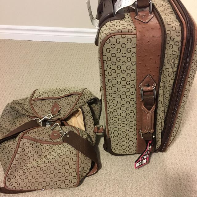 0737f3cfe19d4 Find more Guess Luggage Set for sale at up to 90% off