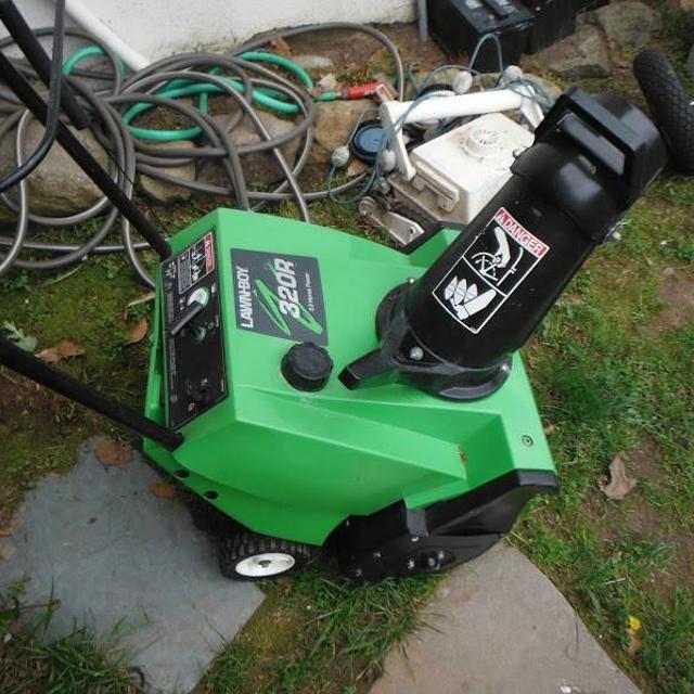 Lawn Boy 320r 3 0hp Snowthrower Gas Oil Mix 50 1