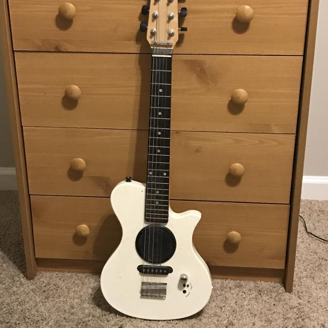 Best First Act Discovery Junior Electric Guitar With Built In Amp 15 For Hendersonville Tennessee 2019