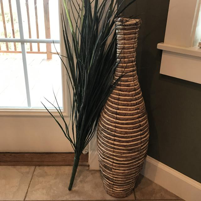 Find More 28 Inch Tall Wicker Floor Vase And Filler For Sale At Up
