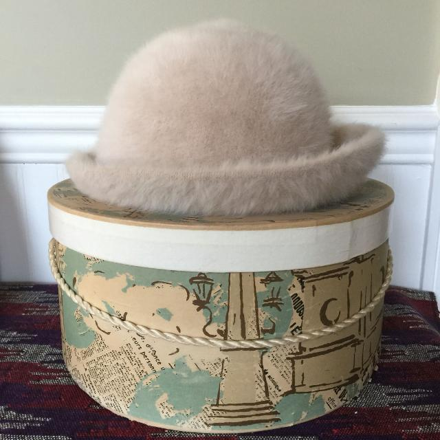 a8ed9b730523f5 Find more Vintage Kangol Rabbit Fur Ladies Hat With Box for sale at ...