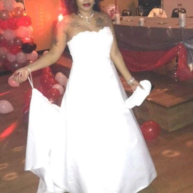 e7916a17cd4 Best Used Davids Bridal Wedding Dress for sale in Corry ...