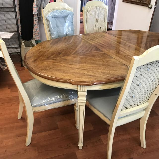 Vintage Stanley Dining Table And 6 Chairs