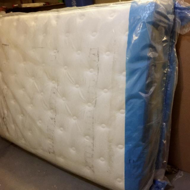 Find More King Koil Dakota Queen Size Euro Top Mattress For Sale