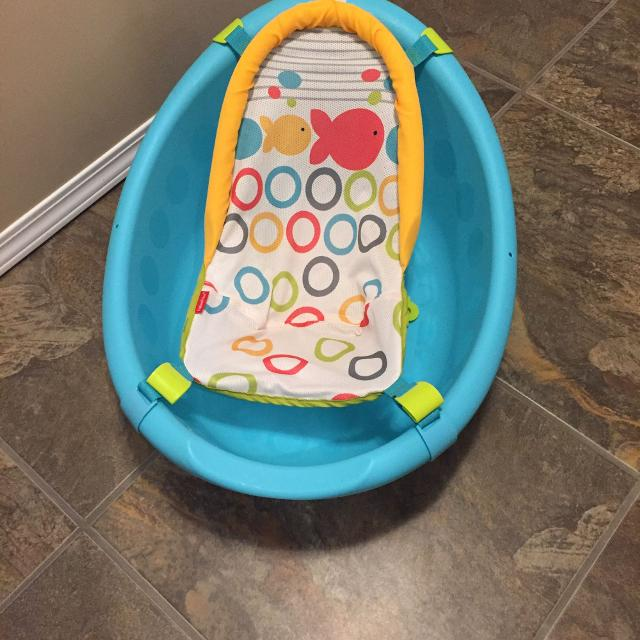e27e815757ee Find more Fisher-price Rinse  n Grow Bath Tub for sale at up to 90% off