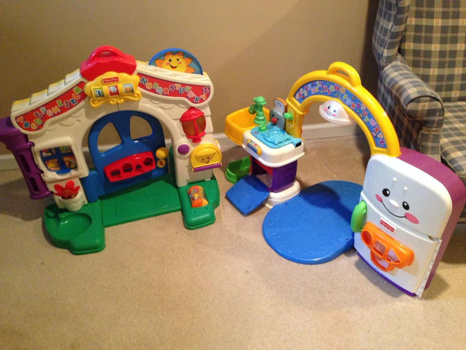 Fisher Price Laugh & Learn Learning Home & Kitchen Playset