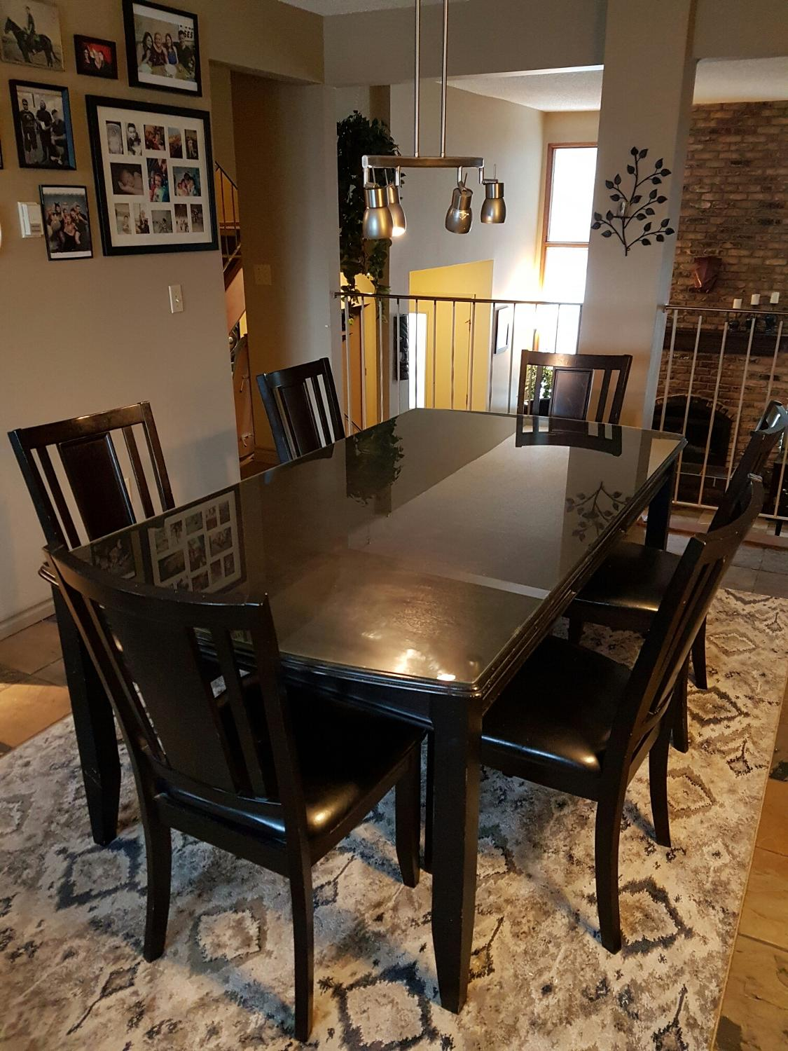On Style Today 2021 02 12 Carlyle Dining Room Set Here