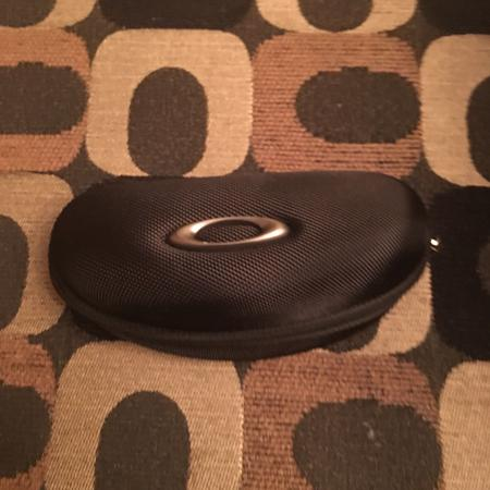 New Oakley sunglasses carrying case for sale  Canada