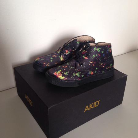 BNIB Akid Black Galaxy Kid Shoes for sale  Canada