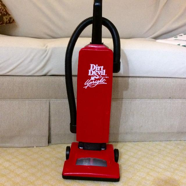 Dirt Devil Toddler Toy Vacuum Cleaner EUC
