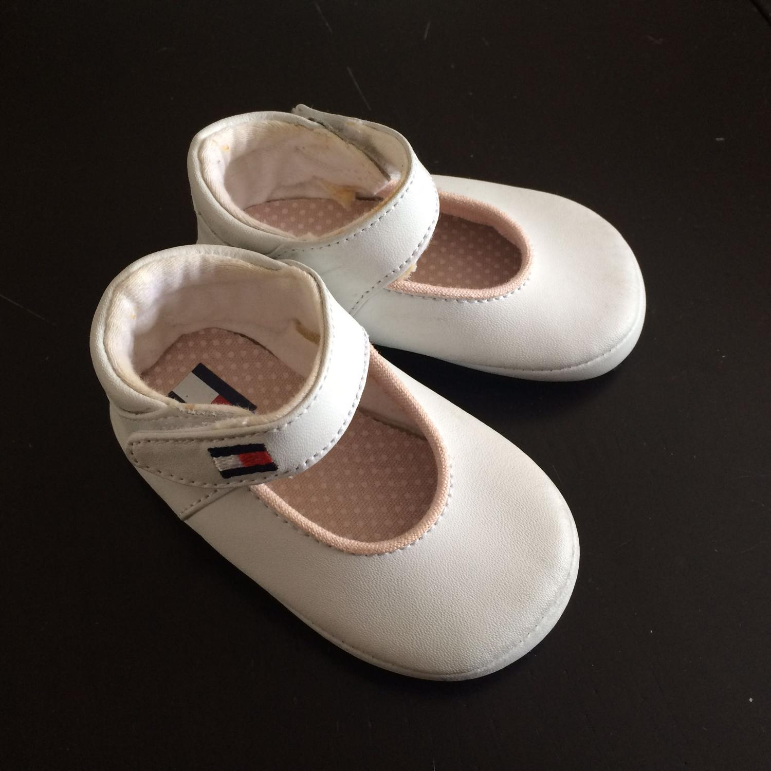 e60bb5ce0e07fd Find more Tommy Hilfiger Baby Girl Shoes for sale at up to 90% off