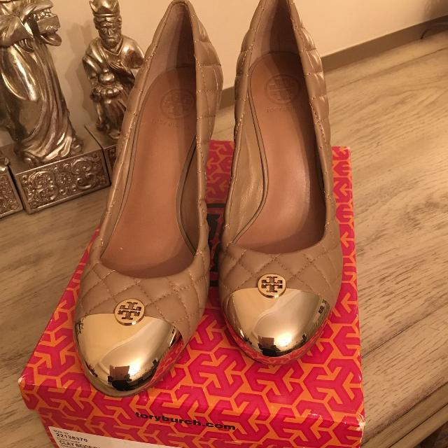 a64202f57569 Best Sz 11 New Tory Burch Kaitlin Beige Gold Quilted Leather Wedges Cap Toe  Pumps for sale in Arlington