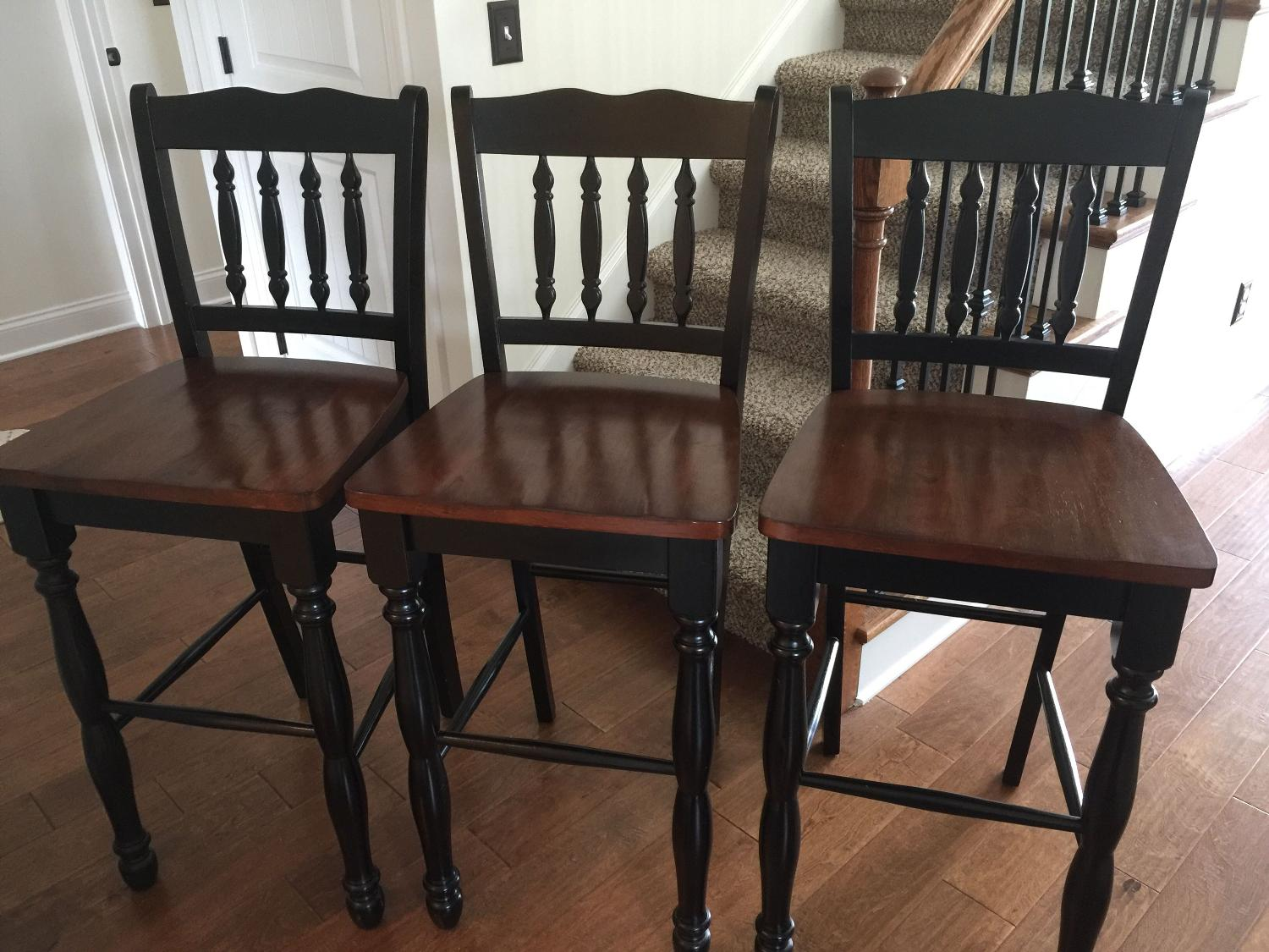 Find more reduced new set of 3 solid wood 30 bar stools for sale at up to 90 off spring Home bar furniture nashville tn