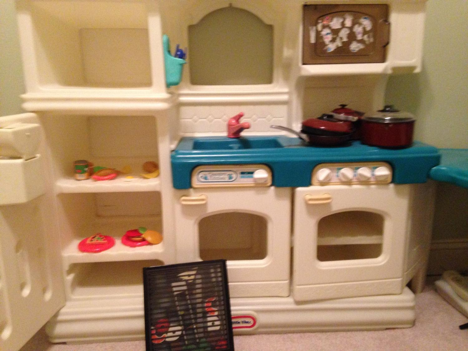 Find more little tikes kitchen set meet in central or for Kitchen set from the 90 s
