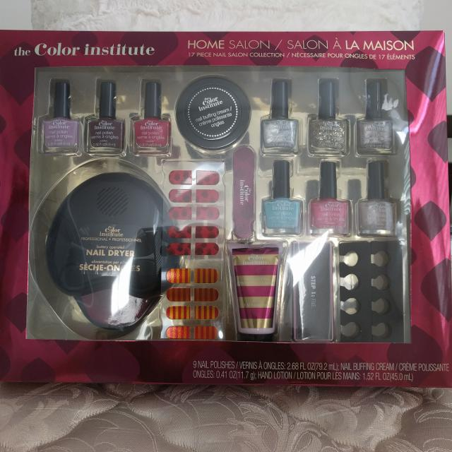 Find More Price Drop Bnib The Color Insute 17 Piece Nail