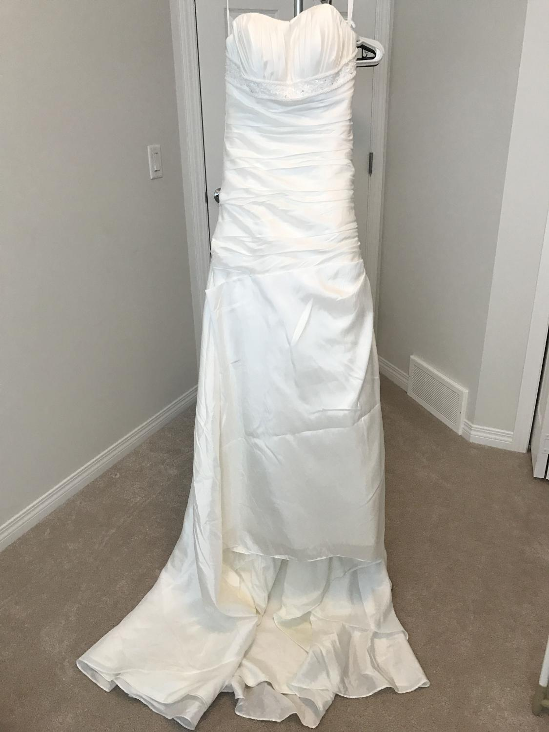 best bnwt custom wedding dress for sale in calgary alberta for 2018. Black Bedroom Furniture Sets. Home Design Ideas