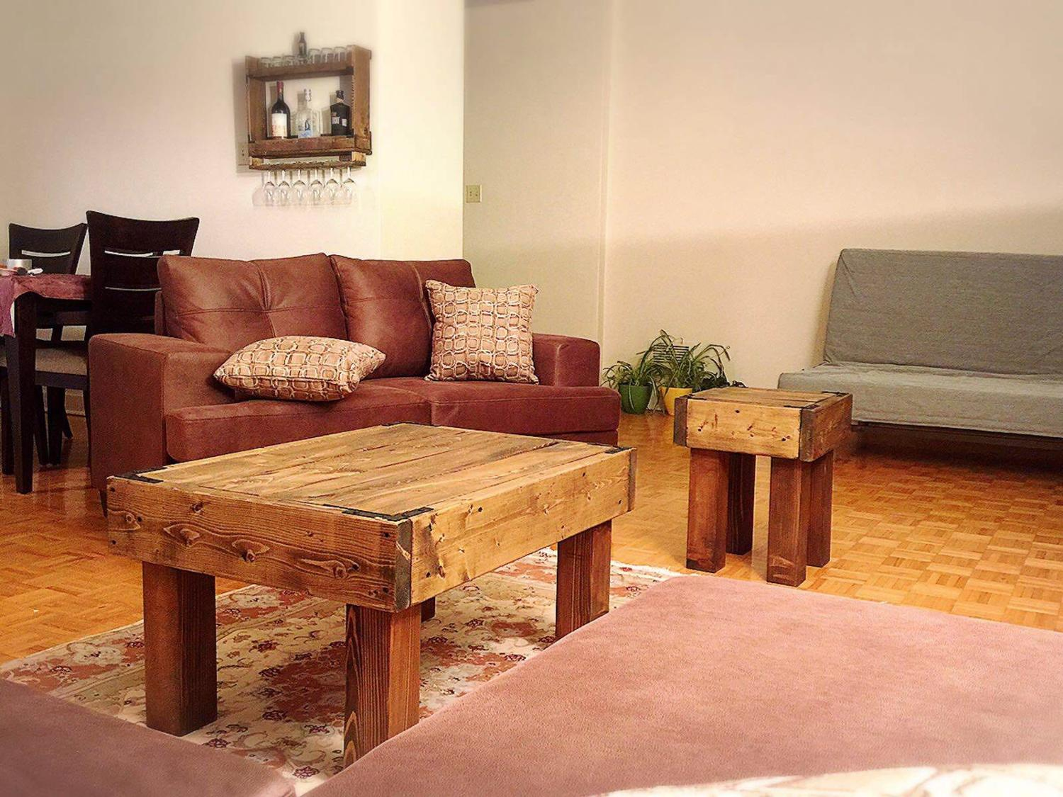 Best coffee table and side table for sale in dollard des for Table 09 pointe claire