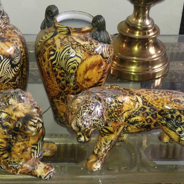 Best Abstract Animal Print Vases And Matching Figurines For Sale In