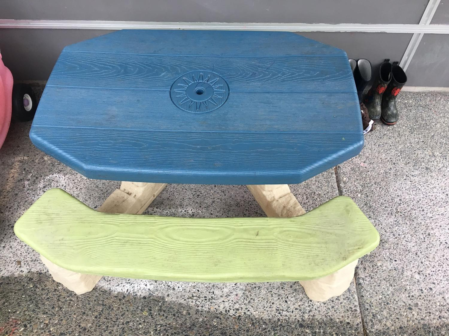 Find more outdoor 6 seater kids picnic table for sale at for Outdoor furniture victoria bc