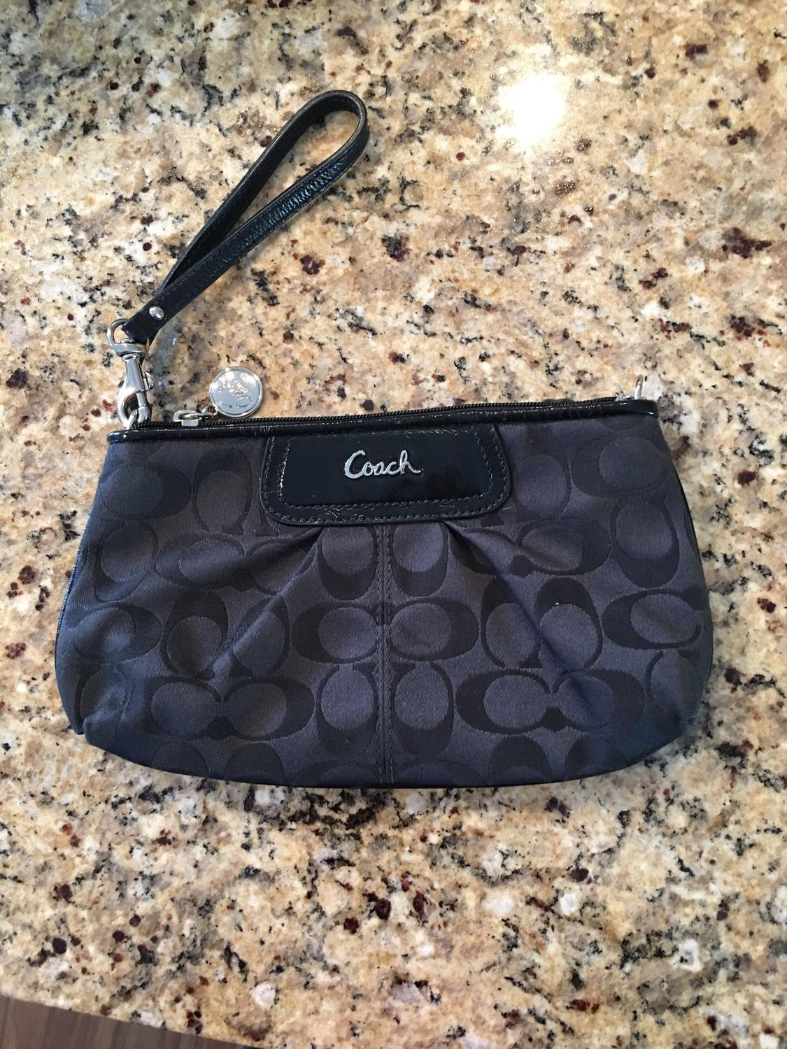 Best Authentic Coach Wristlet Like New For Sale In Minot
