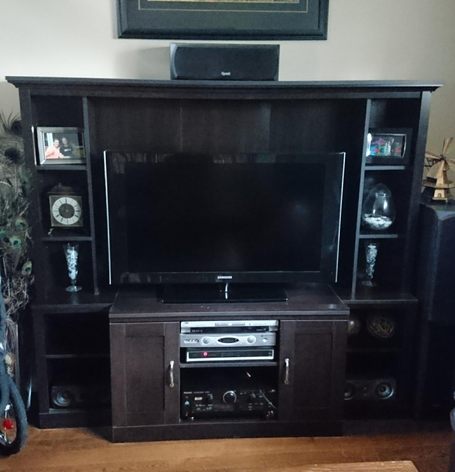 Best entertainment center for sale in victoria british for L furniture warehouse victoria bc