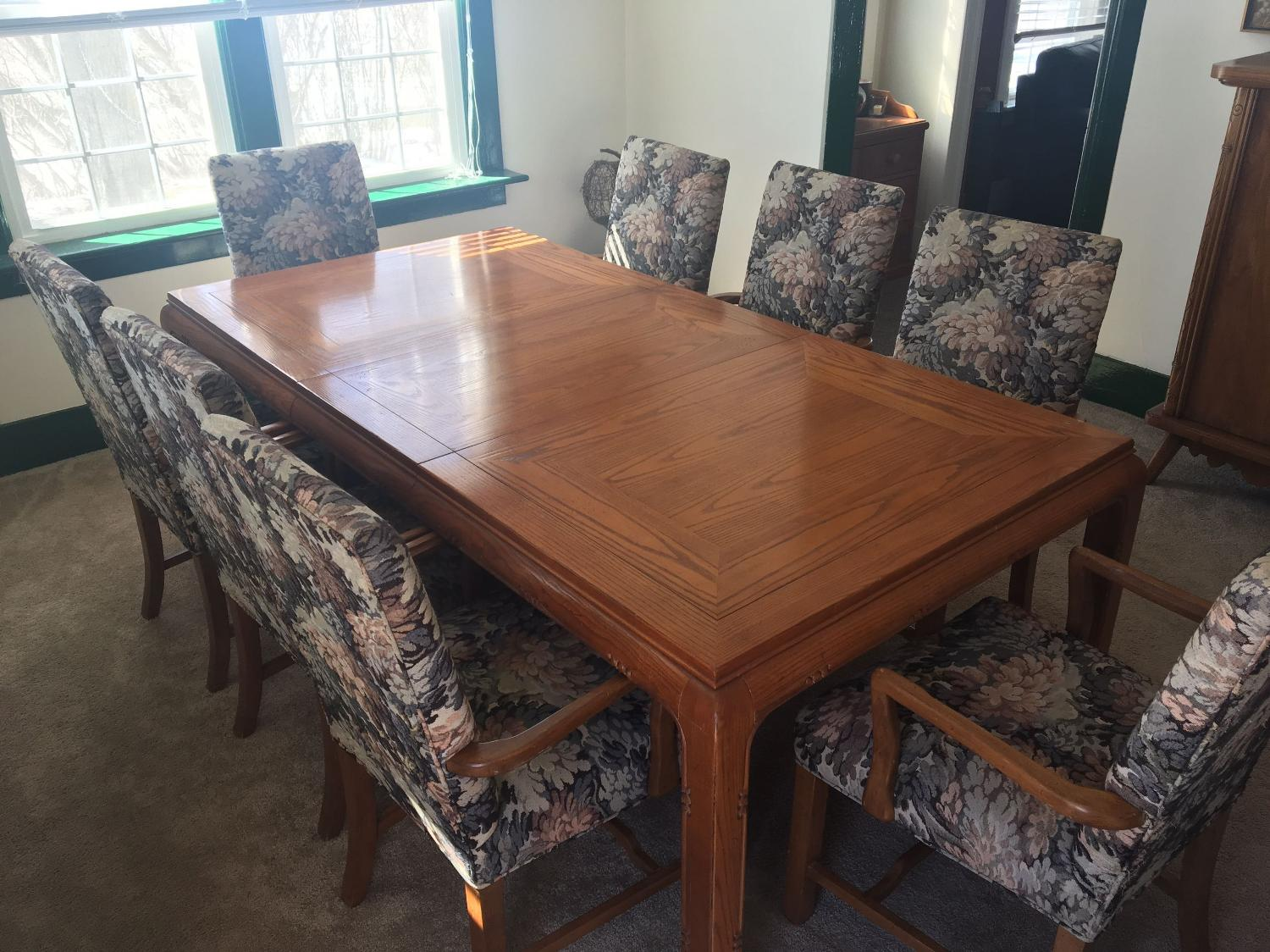 Dining room tables craigslist baton rouge furniture for Dining room tables craigslist