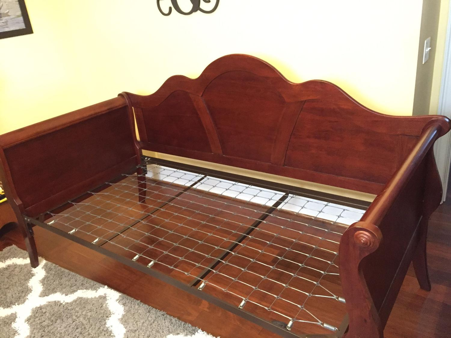 Find More Cherry Finish Sleigh Day Bed For Sale At Up To 90 Off Sumter Sc