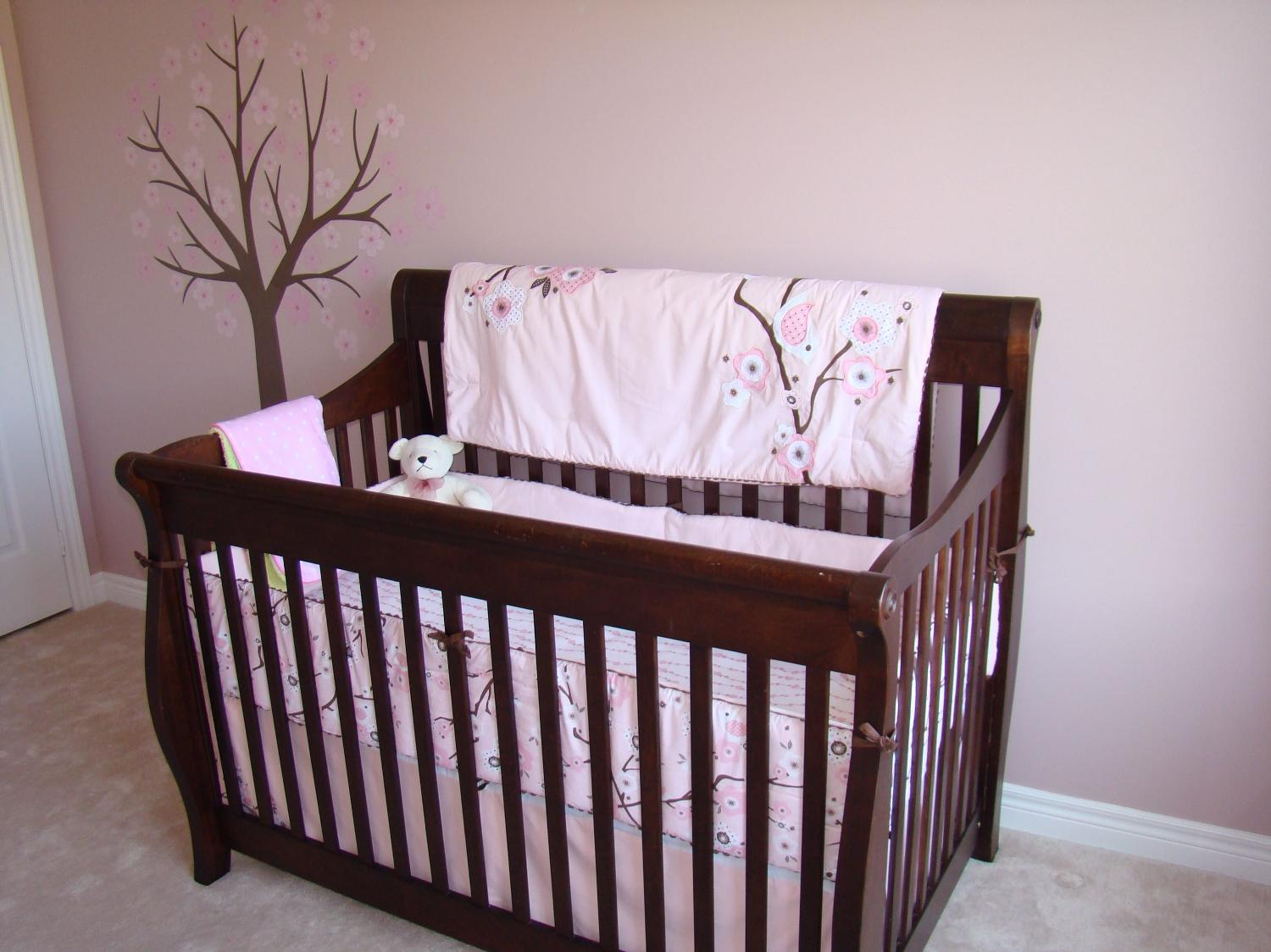 best pottery barn crib for sale in stouffville ontario. Black Bedroom Furniture Sets. Home Design Ideas