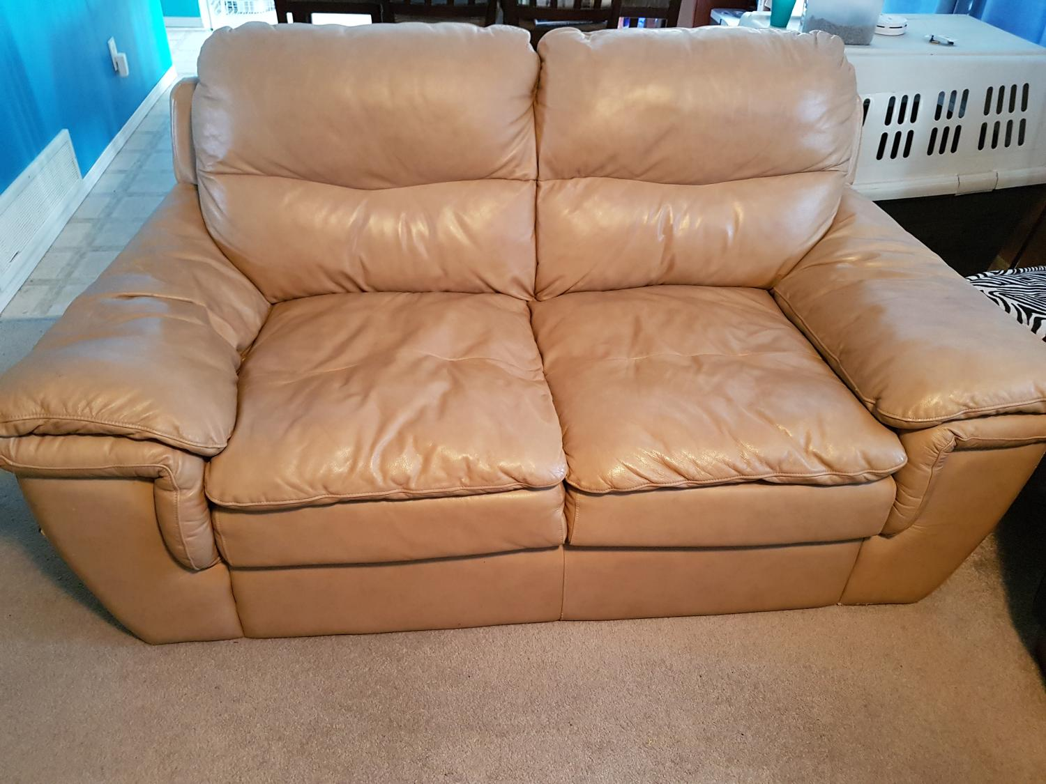 Find more quality leather loveseat euc must go for sale at up to 90 off - Good reasons need redecorate ...