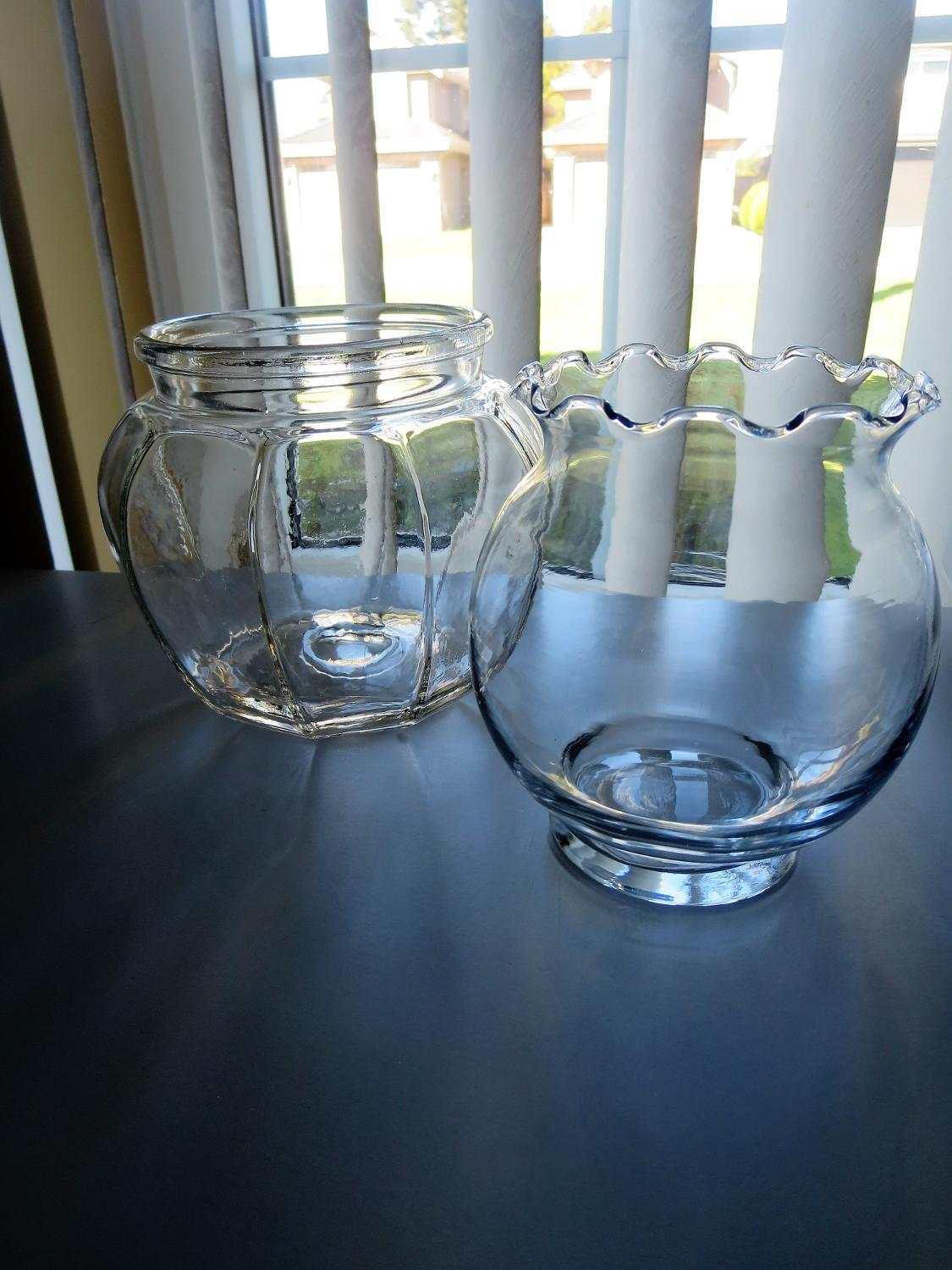 Best Euc 2 Vases Or Can Use For Candy Or Treats Left One Is Older Both Stand About 5 1 2 Inches