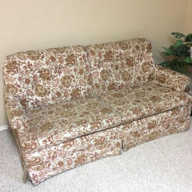 find more vintage floral hide a bed couch for sale at up to 90 off victoria bc. Black Bedroom Furniture Sets. Home Design Ideas