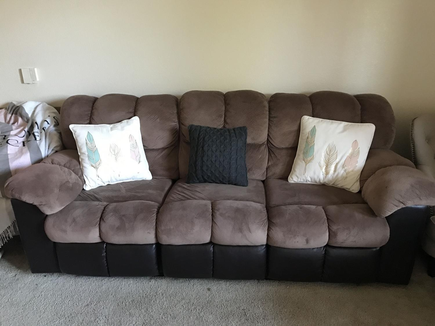 Best Super Comfy Couch For Sale In Menifee California For 2017