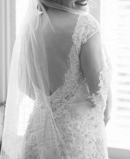 Best low back lace wedding dress for sale in ajax ontario for Low back wedding dresses for sale