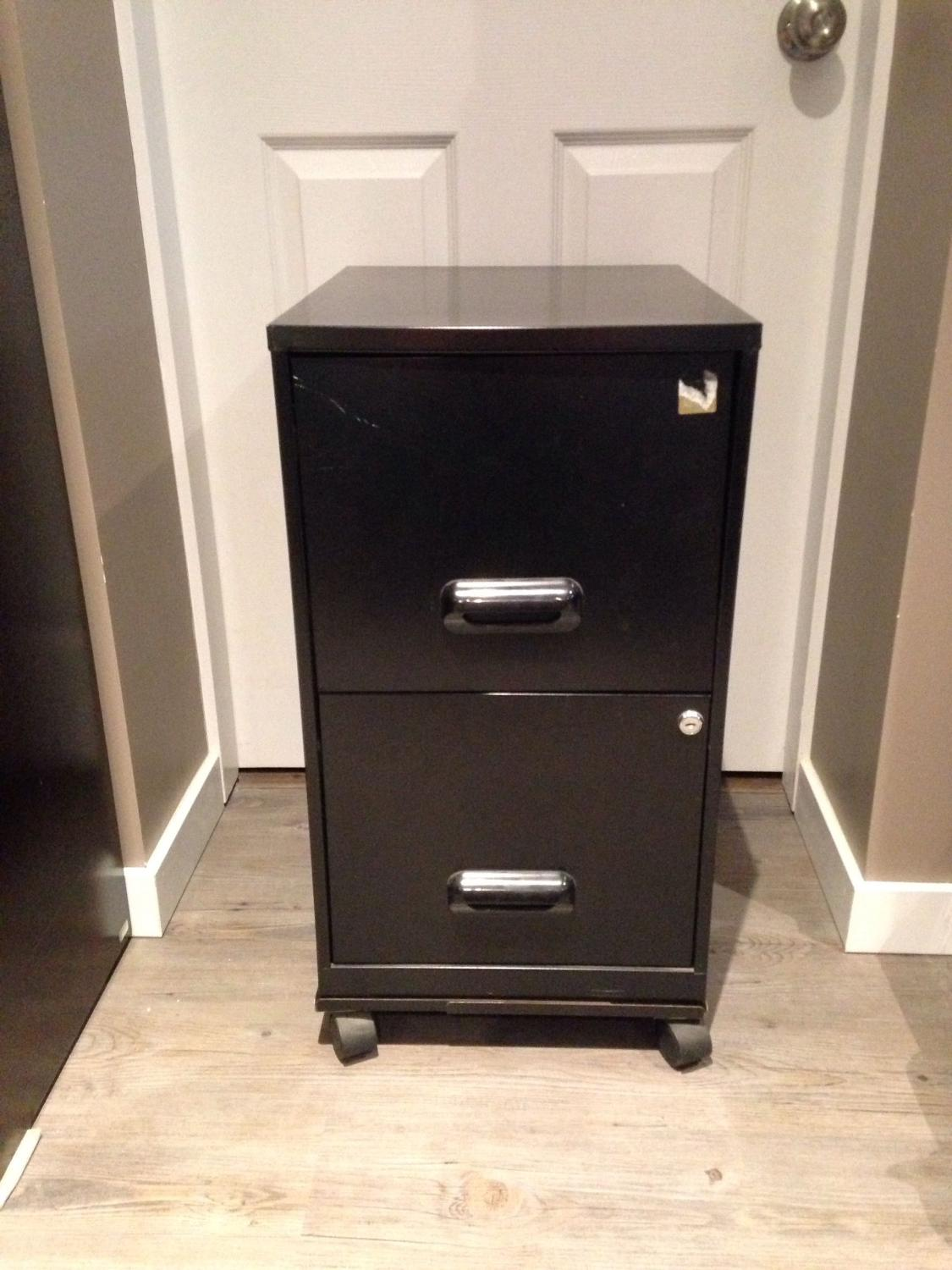 find more 2 drawer metal filing cabinet on wheels for sale at up to 90 off victoria bc. Black Bedroom Furniture Sets. Home Design Ideas