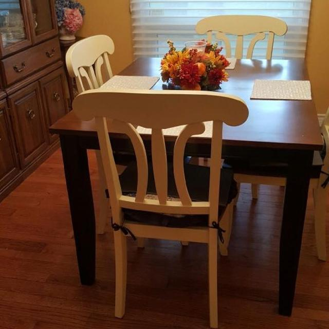 Dining Room Set Seller Can Meet Near London ON
