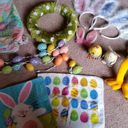 5 pics...Assorted Easter Decorations,..., used for sale  Canada