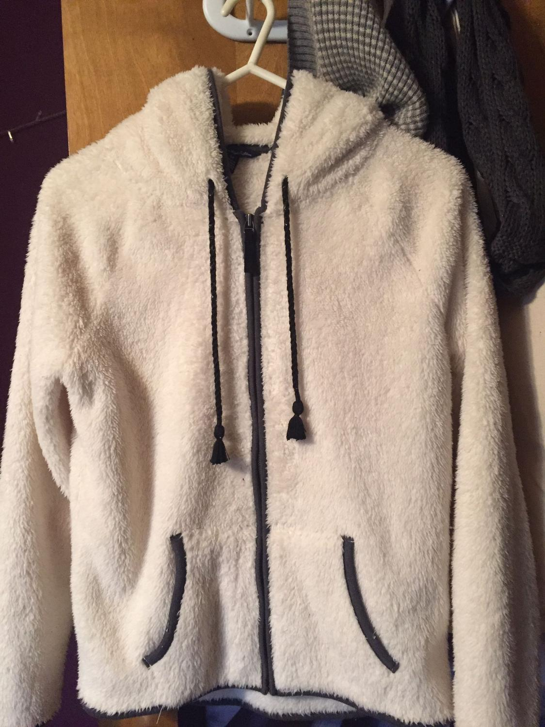 Best Aeo Fuzzy Zip Up For Sale In Minot North Dakota For