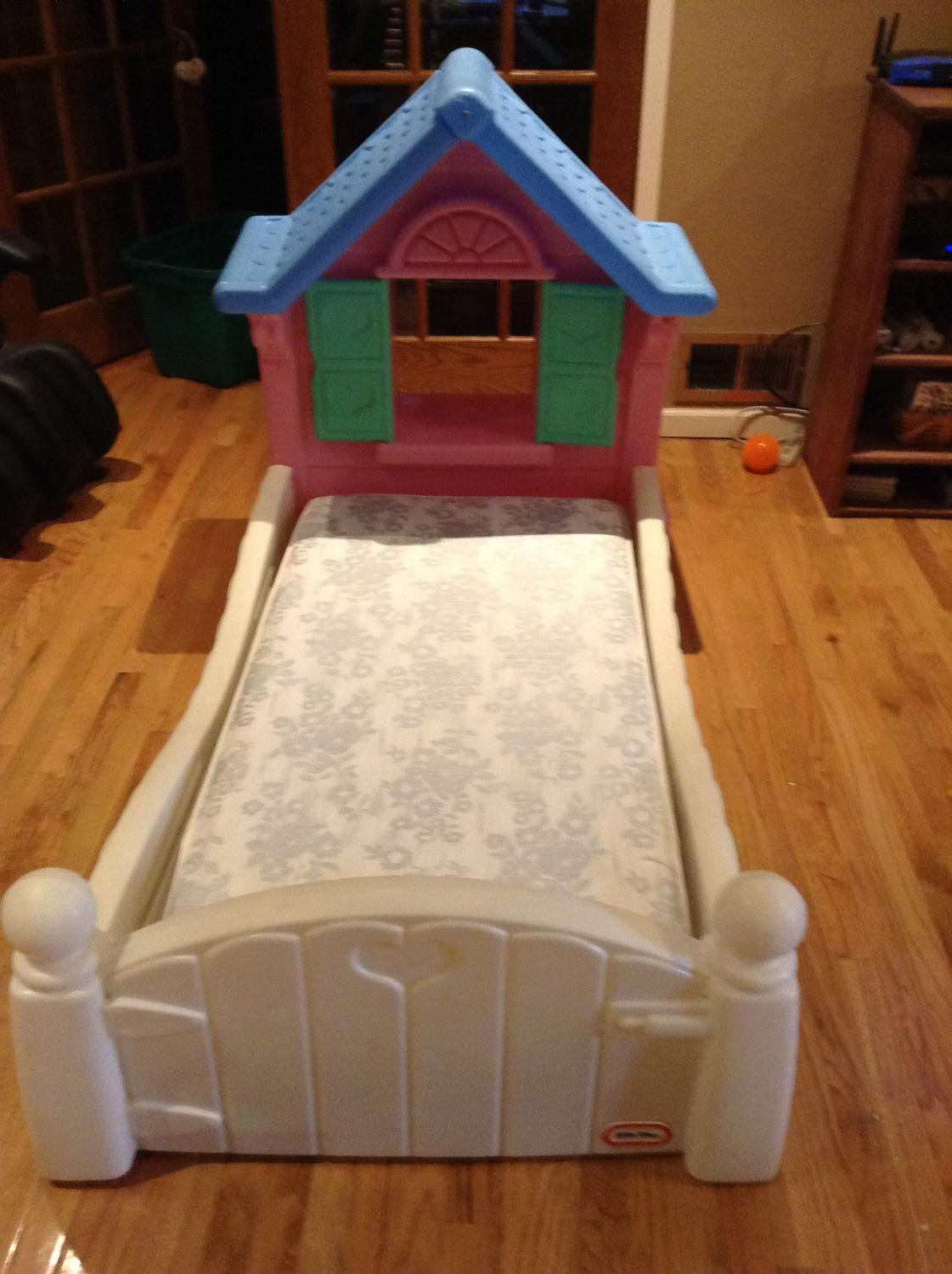 Find more little tikes toddler cottage bed w mattress for for Beds 80 off