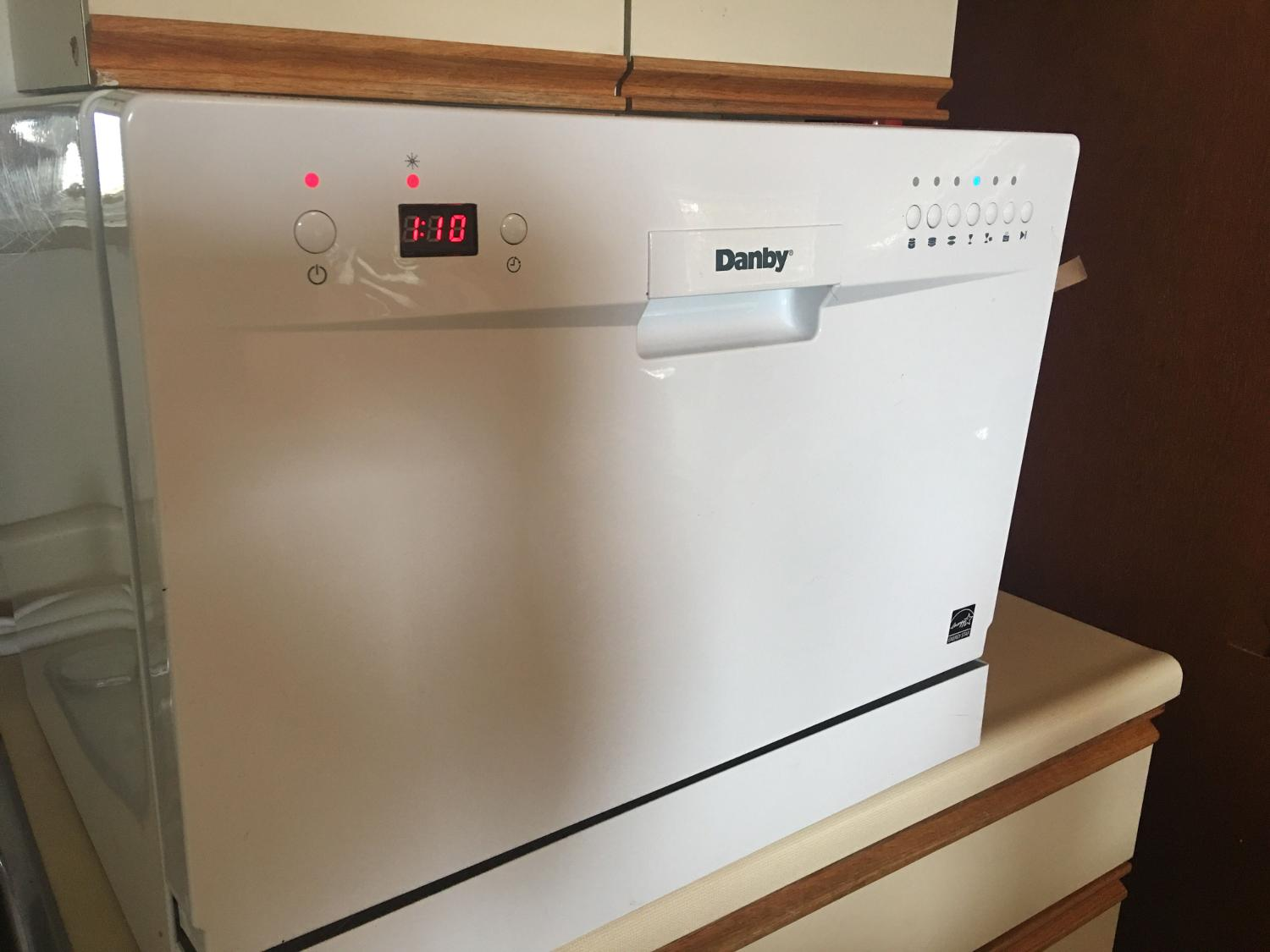 Find more Danby Countertop Dishwasher / Attachments & Hoses Included ...