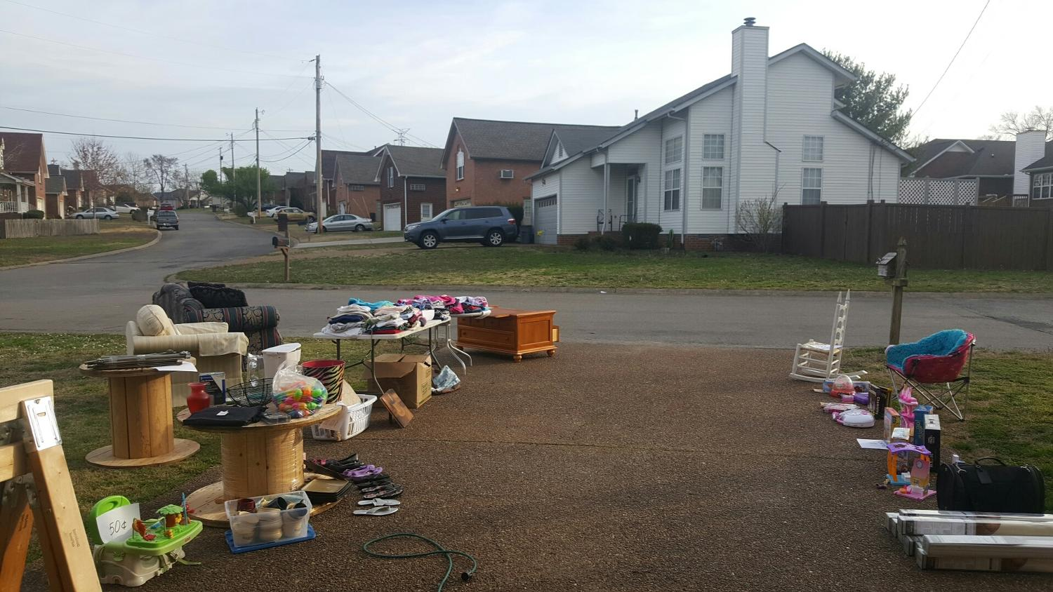 Everything must go yard sale in nashville tennessee for - Nearest garage to my current location ...