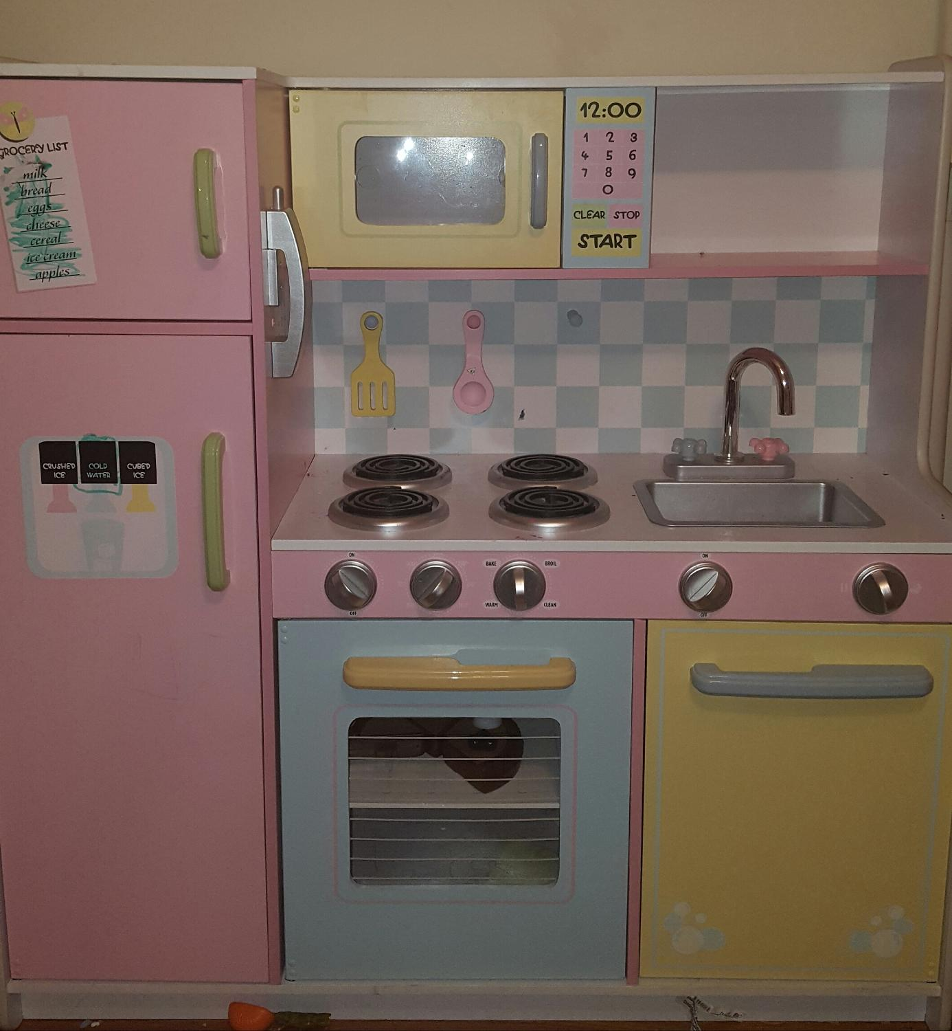 Find more children 39 s play kitchen set for sale at up to 90 for Kids kitchen set sale