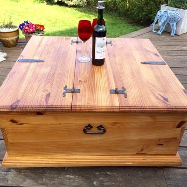 Solid Pine Coffee Table.Solid Pine Coffee Table