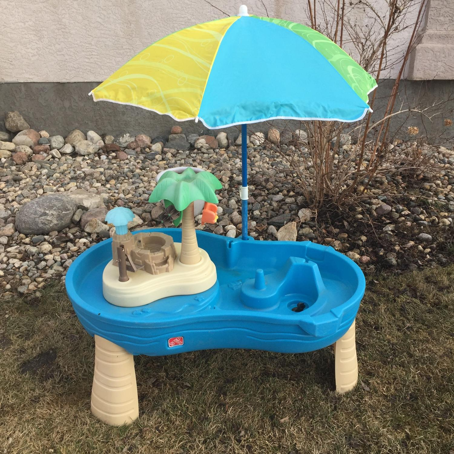 find more step 2 water table with umbrella for sale at up to 90 off regina sk. Black Bedroom Furniture Sets. Home Design Ideas