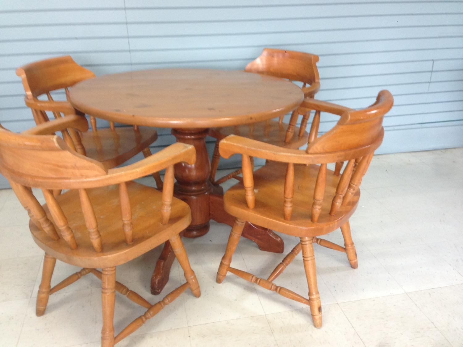 Best Maple Dining Set For Sale In Victoria British Columbia For 2017