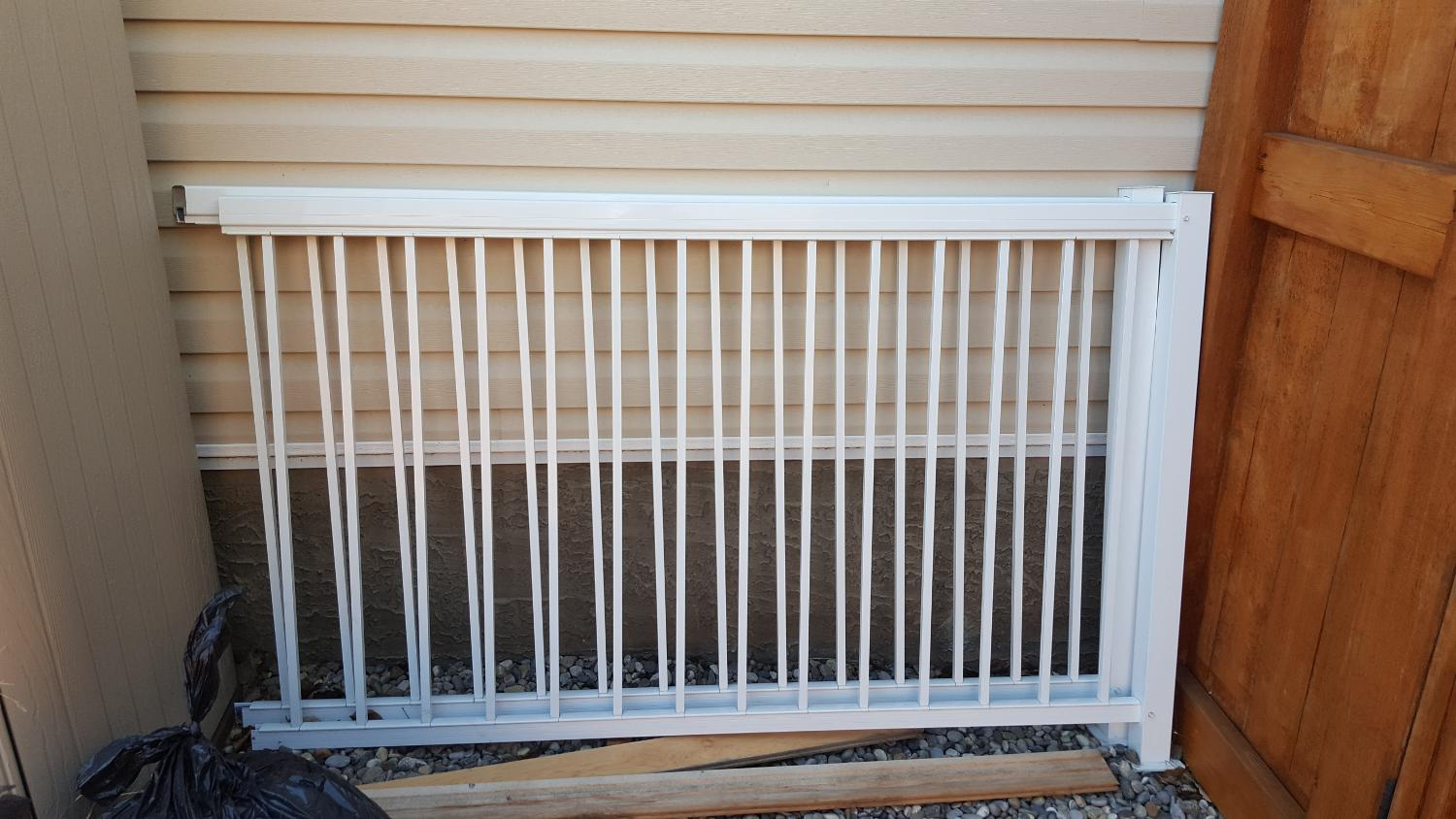 Find More Aluminum Deck Railing 2 Panels For Sale At Up To 90 Off Calgary AB