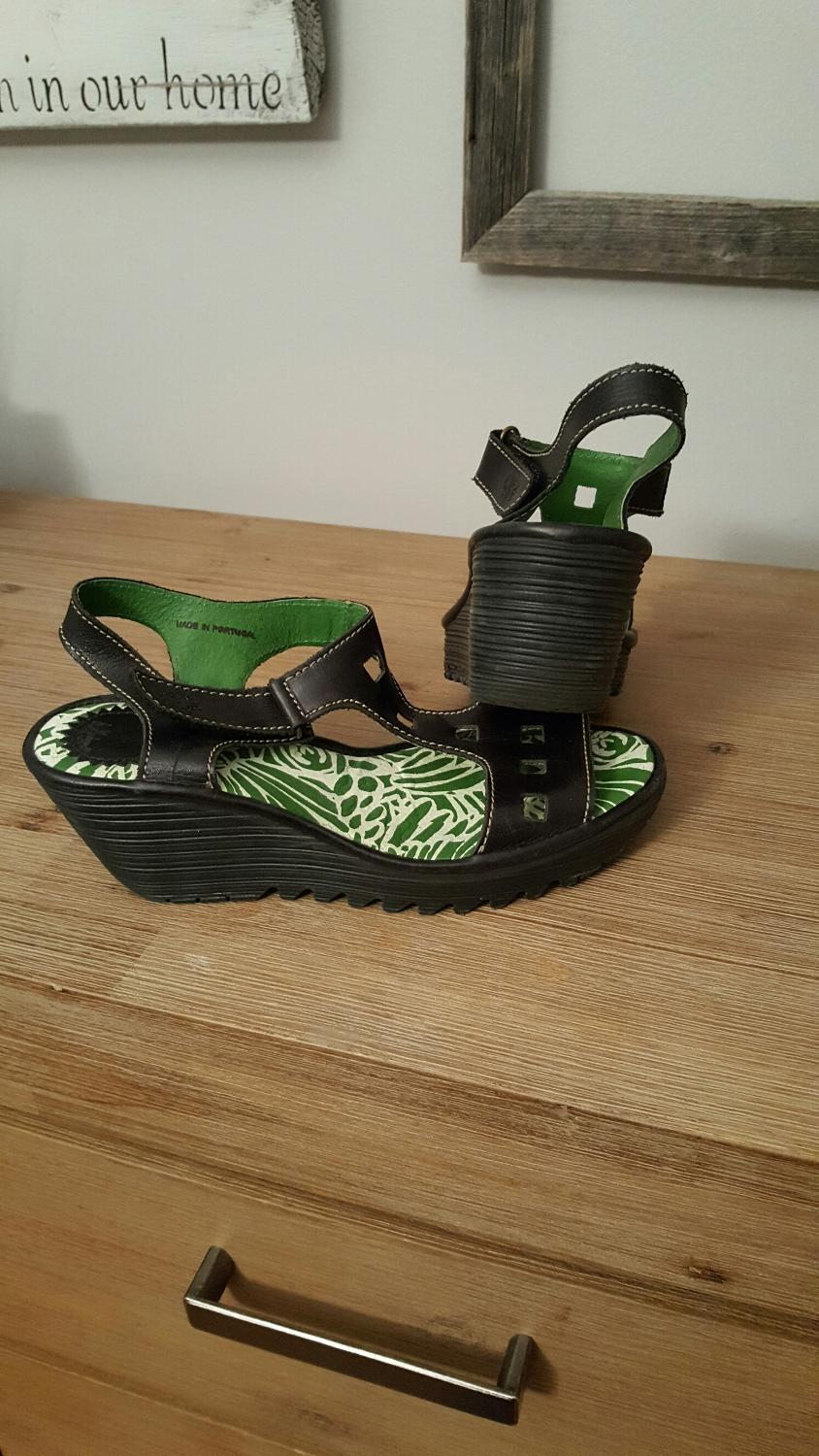 Where To Buy Fly London Shoes In Ottawa