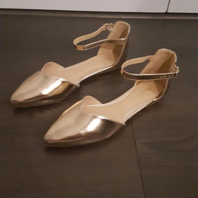 8823fa5e157 Best Brand New Head Over Heels By Dune - Hyrah Rose Gold Flat Shoes for  sale in Yorkville