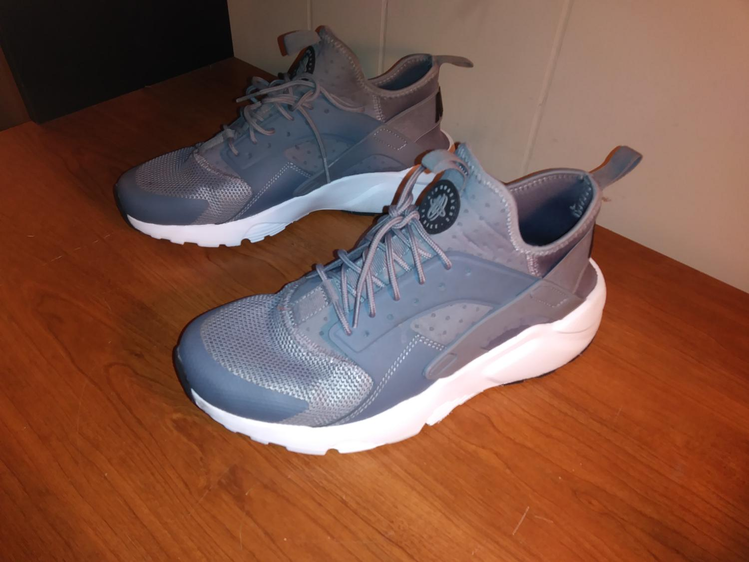 ... Nike Grey And White for sale in Charlotte, North Carolina for 2017