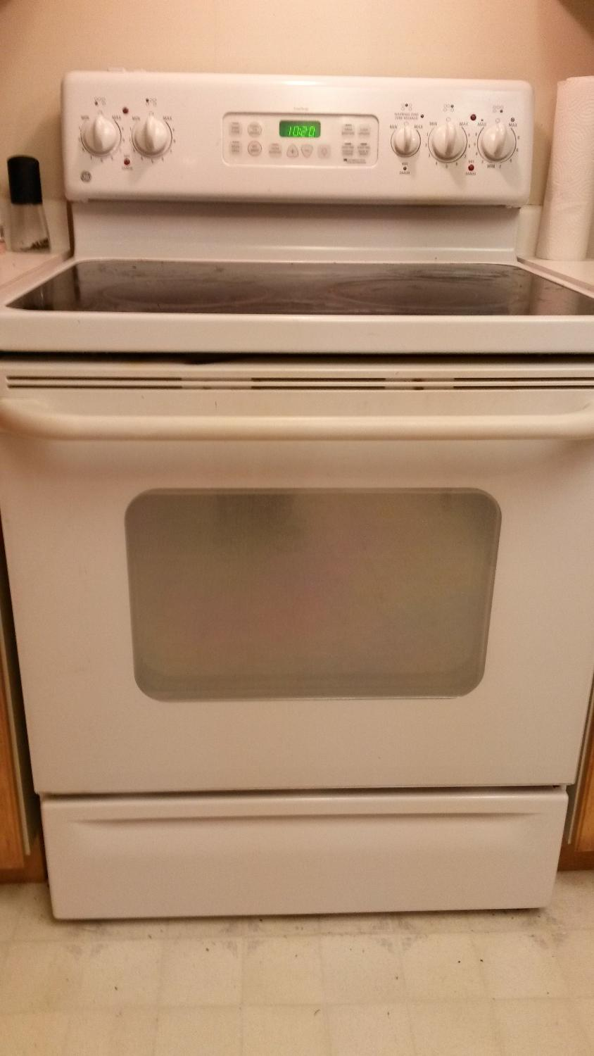 Find more General Electric Ceramic Top Oven for sale at up to 90% off - Victoria, BC